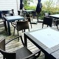 四季折々の風を感じながらお食事をお楽しみいただけるテラス席。