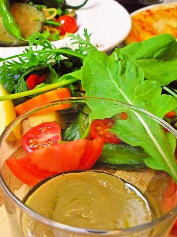 大原の旬の野菜と、自然派ワインが楽しめる。京都高野川の四季を、気軽に楽しめる。