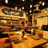 厳選塊肉食べ放題の店 肉バル横丁 新潟けやき通り店の雰囲気2