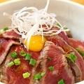 料理メニュー写真ローストホース丼