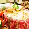 【選べるメインコース】牛×豚×鶏のメイン料理からお好きな一品をお選び頂けます◎牛肉料理は日本一の宮崎牛を贅沢に堪能できる!今話題の肉シカゴピザをBANSAN風にアレンジしました♪
