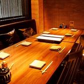 2階の窓際にあるスタンダードなテーブル席です。カジュアルなシーンにご利用下さい。