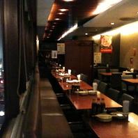【新宿三丁目で宴会♪】気軽に使えるテーブル席もあり!