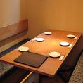 人気のBOXタイプのテーブル席。