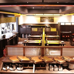 2017年8月、店内を全面改装しました。オシャレで居心地良い空間に生まれ変わりました!全80席(テーブル席76席+カウンター4席)。大小宴会が出来ます。貸し切りは要相談です。