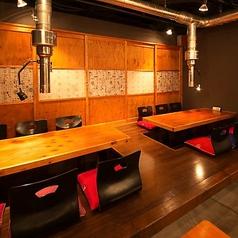 Korean Kitchen 3匹の子豚 山ノ内店の雰囲気1