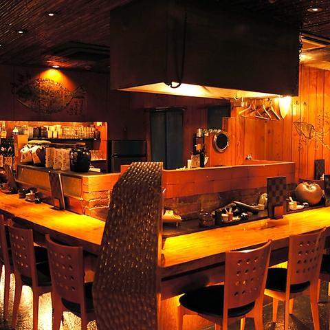 間接照明が温かさをかもしだす、竹と木造りのお店です。今宵はどうぞぶらり家で。