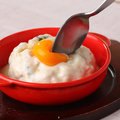 料理メニュー写真台湾鶏ミンチチー玉めし