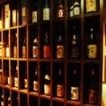 【ドリンク豊富】入口にはたくさんのボトルがお出迎え!