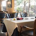 ◆フロア席◆テーブル12席ご用意しております。カウンターとあわせて最大26名様のパーティールームとなります。人数が多くなる際は店舗までご相談ください。また、お子様のフロア席ご利用は5歳以上とさせていただいております。