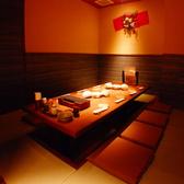 【掘りごたつ座敷席】ゆったり過ごせる和の空間は、様々な宴会にご利用できます。