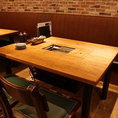 4名様テーブルはご友人同士のご利用にピッタリ!
