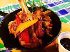 料理メニュー写真ラム肉のソテー ~カポナータ添え~