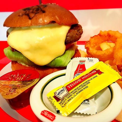 本格ハンバーガーやステーキがたのしめるお店♪ランチ・ディナー営業中♪