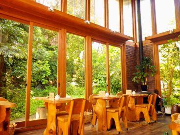 カフェ クベル Cafe Kubelの雰囲気1