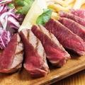 料理メニュー写真オリーブ牛モモ肉のシンプルステーキ