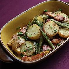 サラダリエージュ じゃがいもとインゲン、芽キャベツの温製サラダ