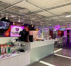 VR/AR Game&Cafe Bar VREX ヴィレックス 広島八丁堀店の写真