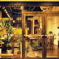 【扉を開けるとそこはまるで】海外のビルに迷い込んだかのような雰囲気!カジュアルに楽しむイタリアン×カフェのお店。料理の味はもちろん見た目にもボリュームにも満足な、メニューでお待ちしております。女子会や会社帰りの飲み会、会社宴会にご利用下さい!