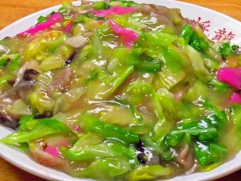 価格とボリュームが自慢の中華料理店。どのメニューもお腹いっぱい食べられる!