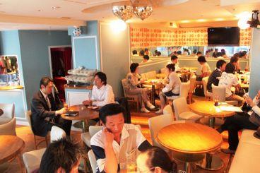 スクランブルカフェバー SCRAMBLE Cafe & Barの雰囲気1