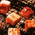 <食べ放題の一部>絶品!厚切り炙りベーコン!お肉も良いですが、お酒のおともにはぴったりです★