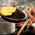 料理メニュー写真プレーンオムレツ 又はオムレツ 小エビキノコ  ライス又は、パン