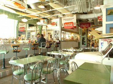 ロングボード・カフェ LONGBOARD CAFE CALIFORNIA DRIVE IN アクアシティお台場店の雰囲気1