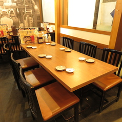 ご家族でのお食事会に最適なお席です。