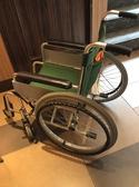 車椅子1台ご用意しました。 店内はもちろん、御手洗い、お帰りのお車までご利用下さい。数に限りがございます。御来店時にお申し付け下さい。
