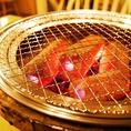 テーブルに七輪で焼肉を楽しめます♪