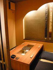 接待などにも仕様可能な個室完備。