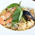 料理メニュー写真海の幸と島らっきょう・塩昆布ガーリックスパゲッティ
