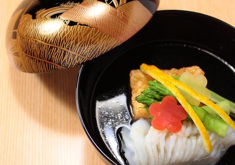 """""""浪速の喰い味""""を伝承しつつ、さらなる美食の扉を開く「雲鶴」の大阪料理"""