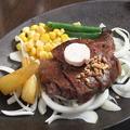 料理メニュー写真特選和牛フィレステーキ(100g)