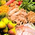 当店では旬野菜を豊富に取り揃えて下ります