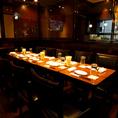テーブルをくっつけてご宴会も可能!飲み放題付コース多数ご用意しております!
