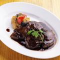 料理メニュー写真牛フィレ肉のフォアグラのせ ロッシーニ風