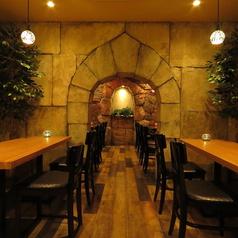 【デート×ワイン】お洒落な地下バル空間で味わうワインは最高!プロポーズや二人だけのシュチュエーションに入り込んで、美味しいお料理とワインでお洒落に過ごしてみてはいかがでしょうか?