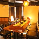 バルならやっぱりテーブル席◎ワイワイした雰囲気で気兼ねなくお話ししながらお食事が楽しめます♪また、席が広めに作られて開放感がありますので団体様でのご宴会にも最適です!!
