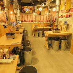 大阪東梅田駅より徒歩3分の好立地!店内は気軽にご利用頂けるテーブル席!