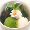 料理メニュー写真こだわり宇治抹茶アイスともちもち白玉のミニパフェ~濃厚抹茶蜜かけ~