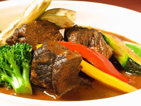肉屋直営ならではの品質と価格!デートから家族連れまで、地元で愛される洋食屋さん♪