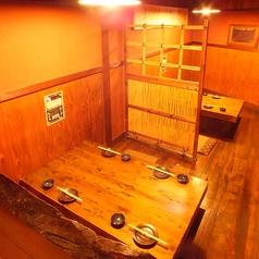 1番、2番 個室店内手前にある個室は4名×2席