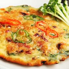 料理メニュー写真キムチチーズチヂミ/海鮮チヂミ
