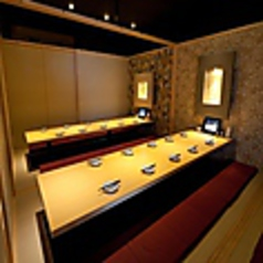 多彩な宴会コースと、幅広い人数に対応した個室でお客様に大好評♪料理の美味しさを深める飲み放題も充実のラインナップ!種類豊富なカクテル・サワー・焼酎・日本酒・ワイン・果実酒・ソフトドリンクまで♪