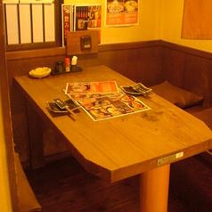 2名様の個室風テーブル席。