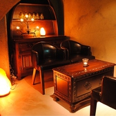 2F…洞窟フロア[奥]:ローテーブル席