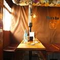 【テーブル席】カップルでもOK!雰囲気抜群の店内は内装にこだわり有り。