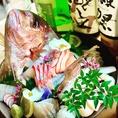 サクラマチでは毎日市場から直送で届く新鮮魚介を多く取り揃えております、またお料理に合う日本酒を常時約20種類ご用意してお客様をお待ちしております、日本酒好きのお客様なら唸る事間違い無し!